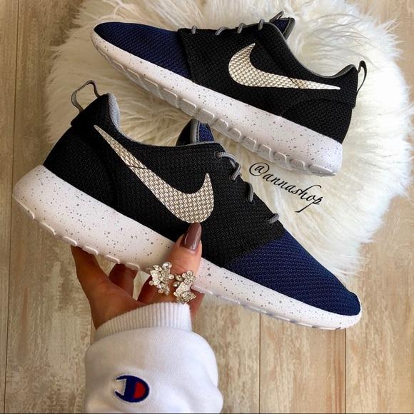 03674e044d109 NWT Nike ID Roshe One Custom Oreo